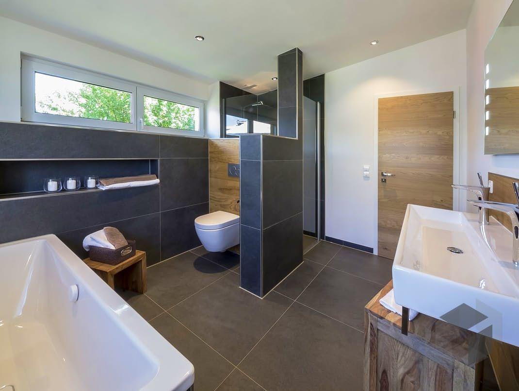 Haus außentor design zimmertür mit weißem türstock  badezimmer träumsche  pinterest
