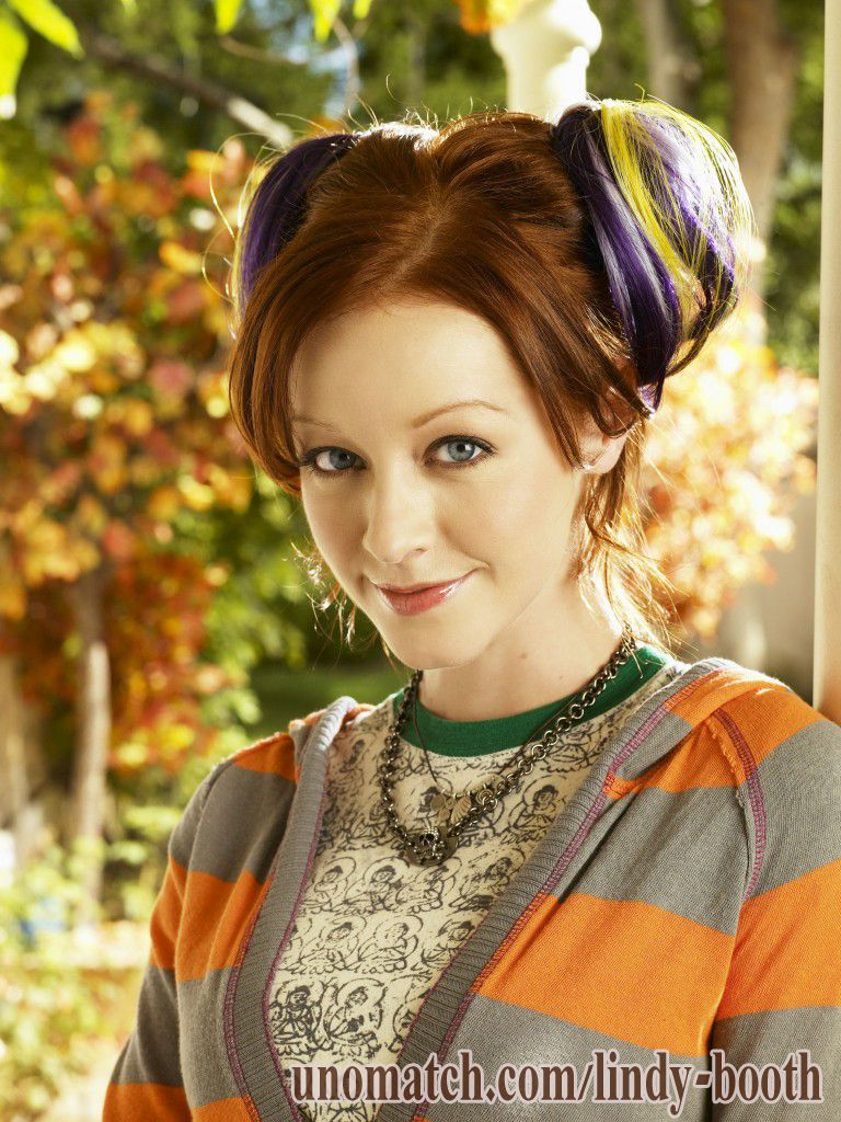 Lindy Booth Unomatch Get Socialized Lindy Booth Beauty Beautiful Redhead