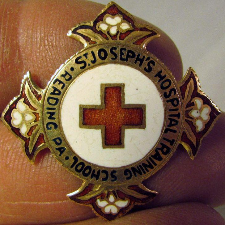 St  Joseph's Hospital Reading, PA | Nursing Pins Plus