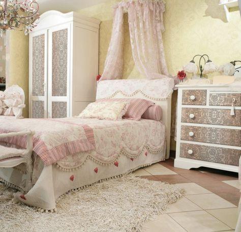 shabby chic kommode anrichte kleiderschrank muster klassisch hochflor teppich wei schlafzimmer einrichtung - Schlafzimmer Klassisch Weis