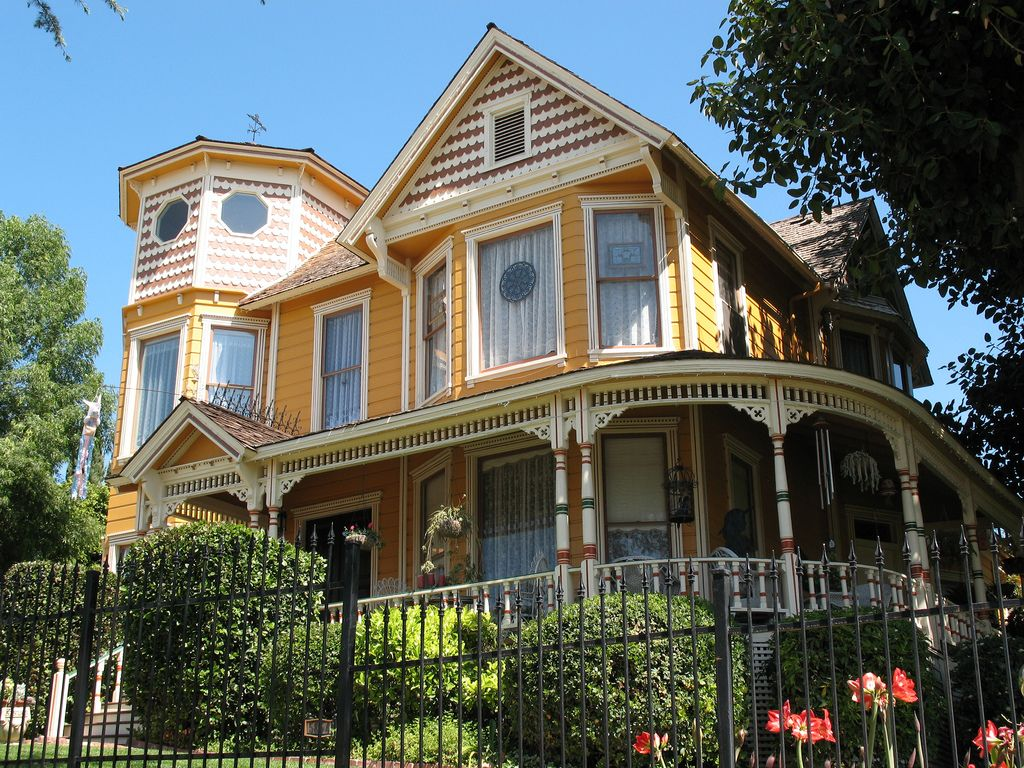 Beautiful house in whittier ca horrible color interesting flat tower great porch also rh pinterest