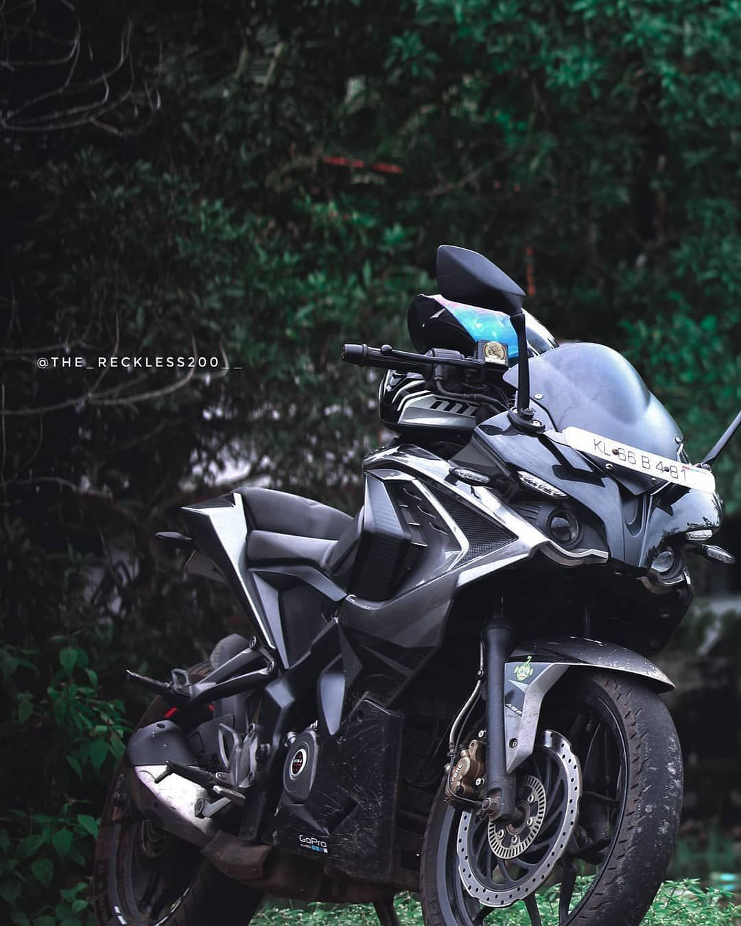 Im Definitely Capable Of Just Enjoying Riding My Bike These Days Click By Quick Shifter Rs200 Riders Pulsar Rs 200 Rs200 Bike Pic Pulsar Bike Photography Full hd pulsar rs 200 hd wallpapers