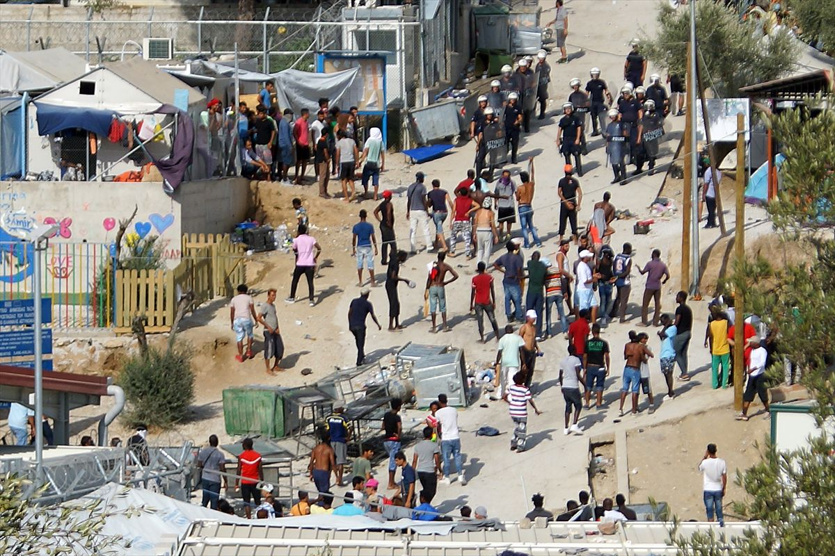 Göçmen kampında korku dolu anlar http//www.ilkelihaber
