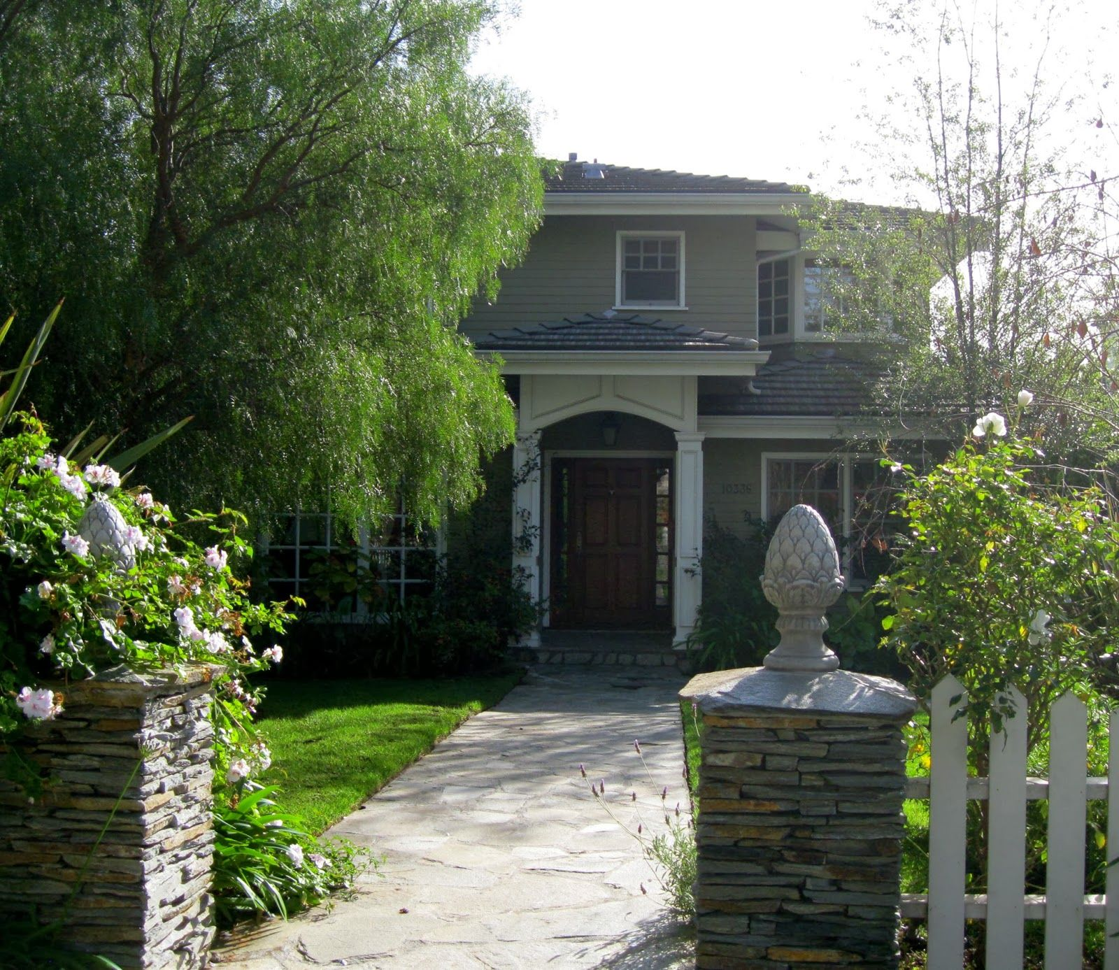 Jill smolinski la hood challenge hood 21 cheviot hills to see claire s house from modern family