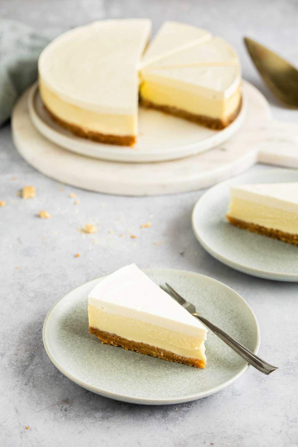 Sour Cream Cheesecake Recipe In 2020 Sour Cream Cheesecake Cheesecake Recipes Sour Cream Recipes