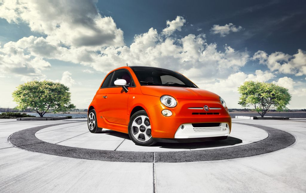 Fiat Introduces All Electric 500e - Cars Always