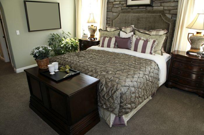 Ein großes Bett für jedes Schlafzimmer Schlafzimmer