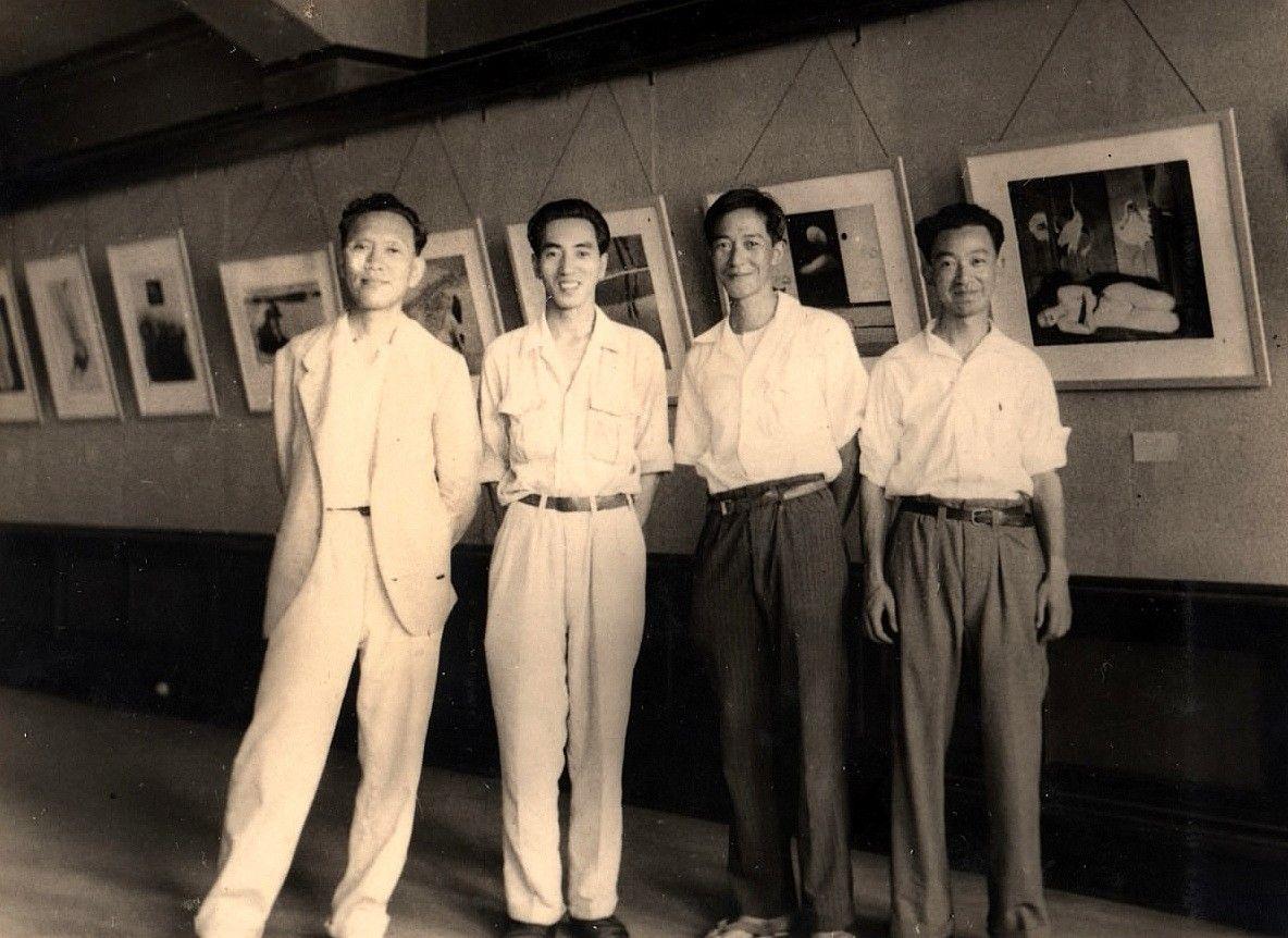 VIVI Exhibition 1949 Nagoya, Kansuke Yamamoto on left.VIVI展 昭和24年名古屋丸善画廊 右より…