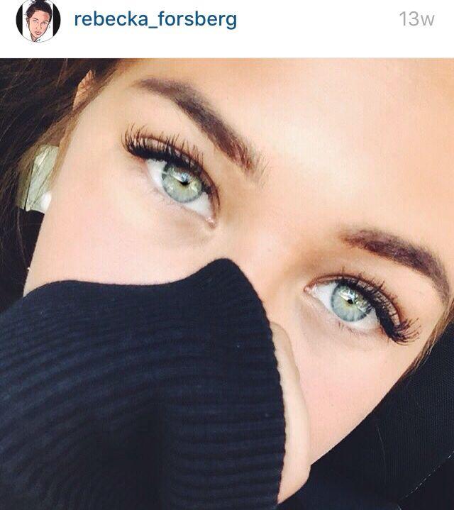 green/blue eyes