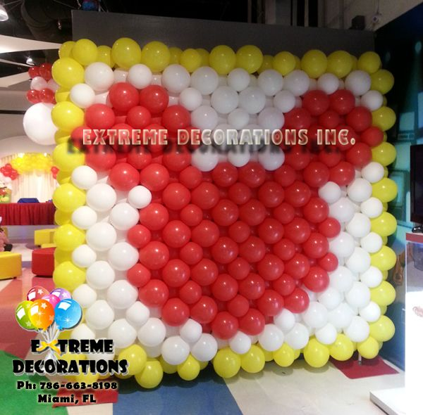 Mickey mouse balloon wall balloon decorations miami for Balloon decoration on wall for birthday
