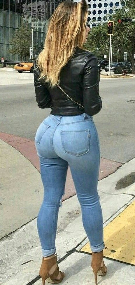 Pin auf Skinny jeans ass voyeur