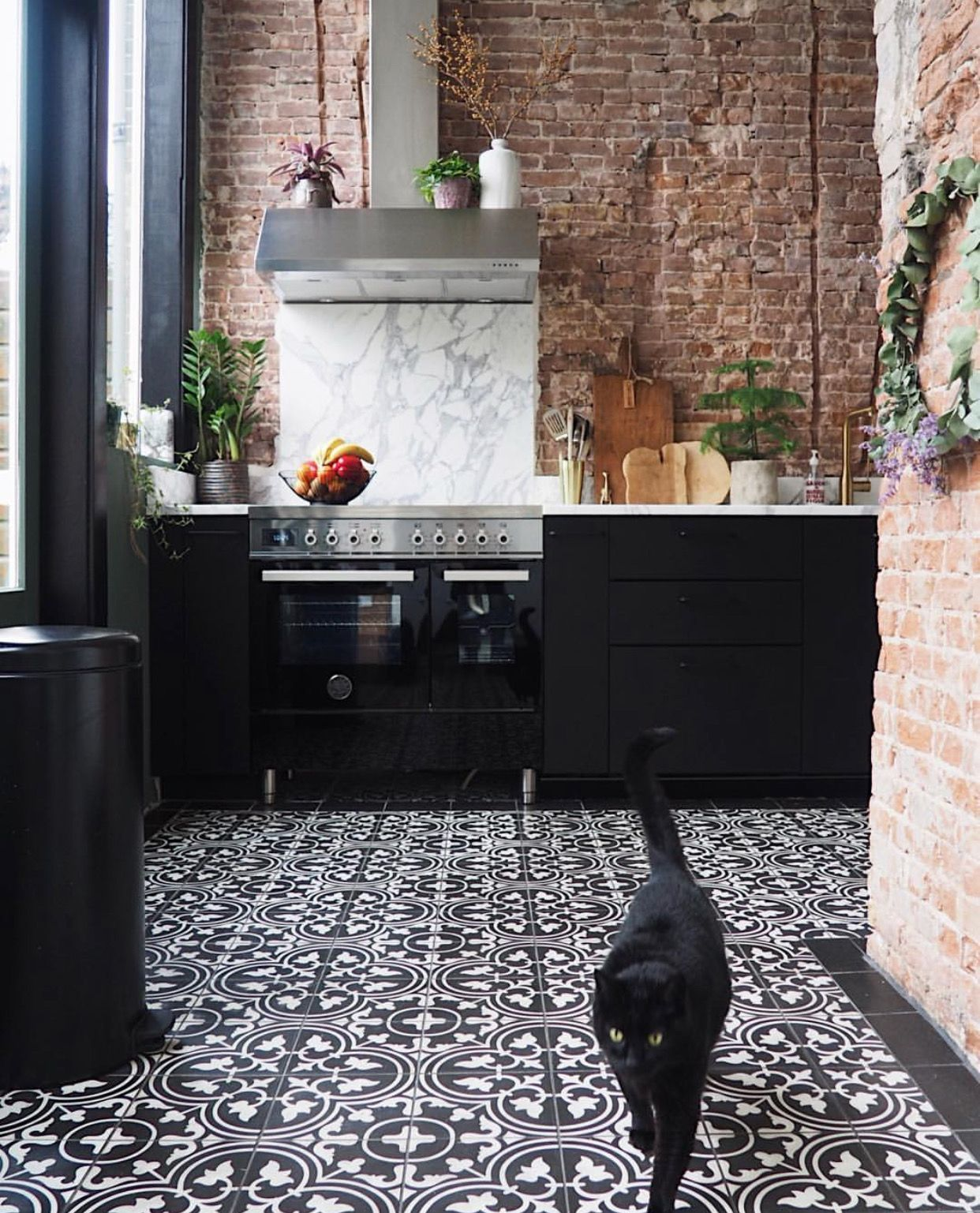 10 Strategies To Apply White Brick Wall In Various Rooms Black