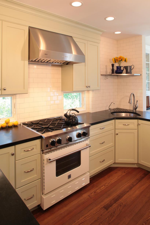 Under Cabinet Window Kitchen In 2019 Kitchen Kitchen Cabinets Kitchen Cabinet Design