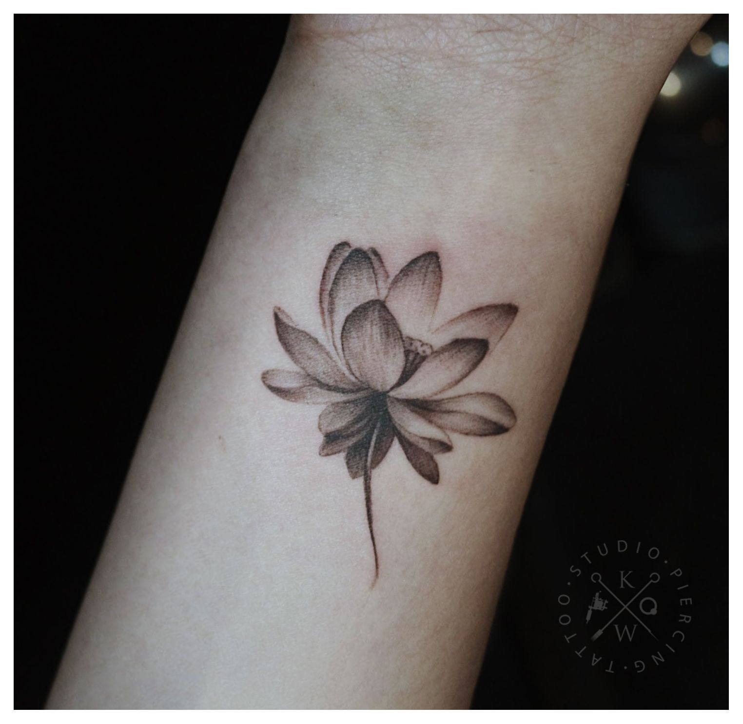 Lotus Ktattoo Ticay Tatoos Tattoo Saigon Saigonese Vietnam Vietnamese Equilattera Theart Flower Wrist Tattoos Wrist Tattoo Cover Up Cover Up Tattoos