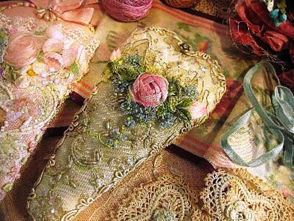 Lace and Flower scissor keeper