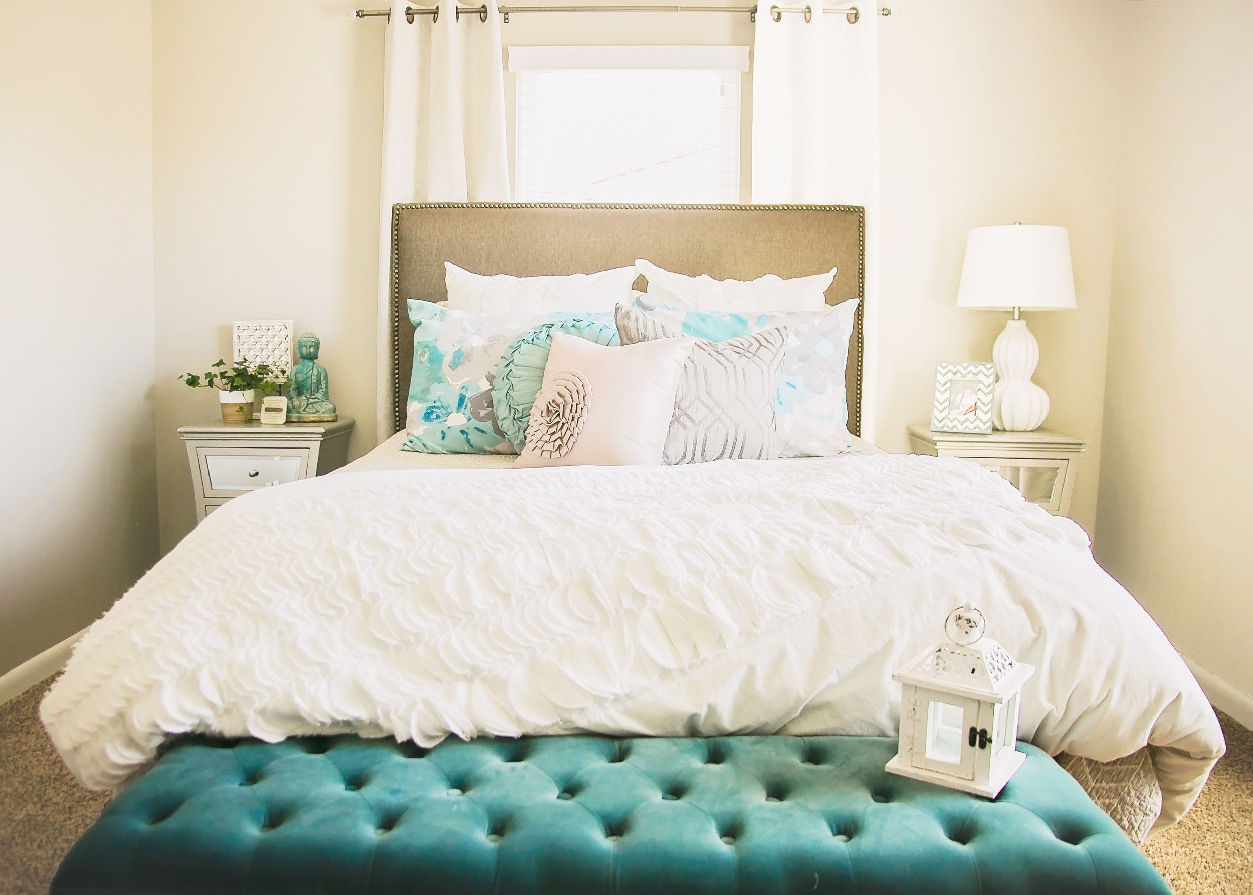 Pin by Lauren Corley on bedroom inspiration | Rearranging ...
