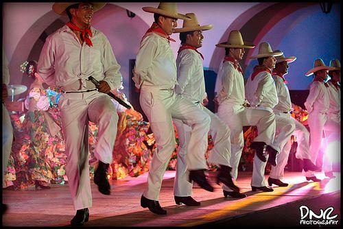 XV aniversario del ballet folklorico de la universidad de merida, yucatan (UADY)