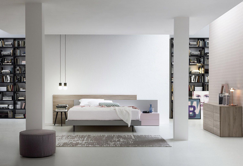 Holzbett modern  Ein elegantes Schlafzimmer von Novamobili aus Italien in zarten ...