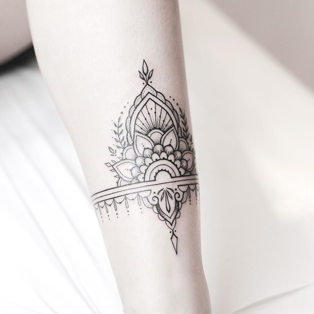 Top 10 Henna Wrist Cuff Designs To Try: Ankle Cuff Made Today @lagrainetattoo Thank You Alaska