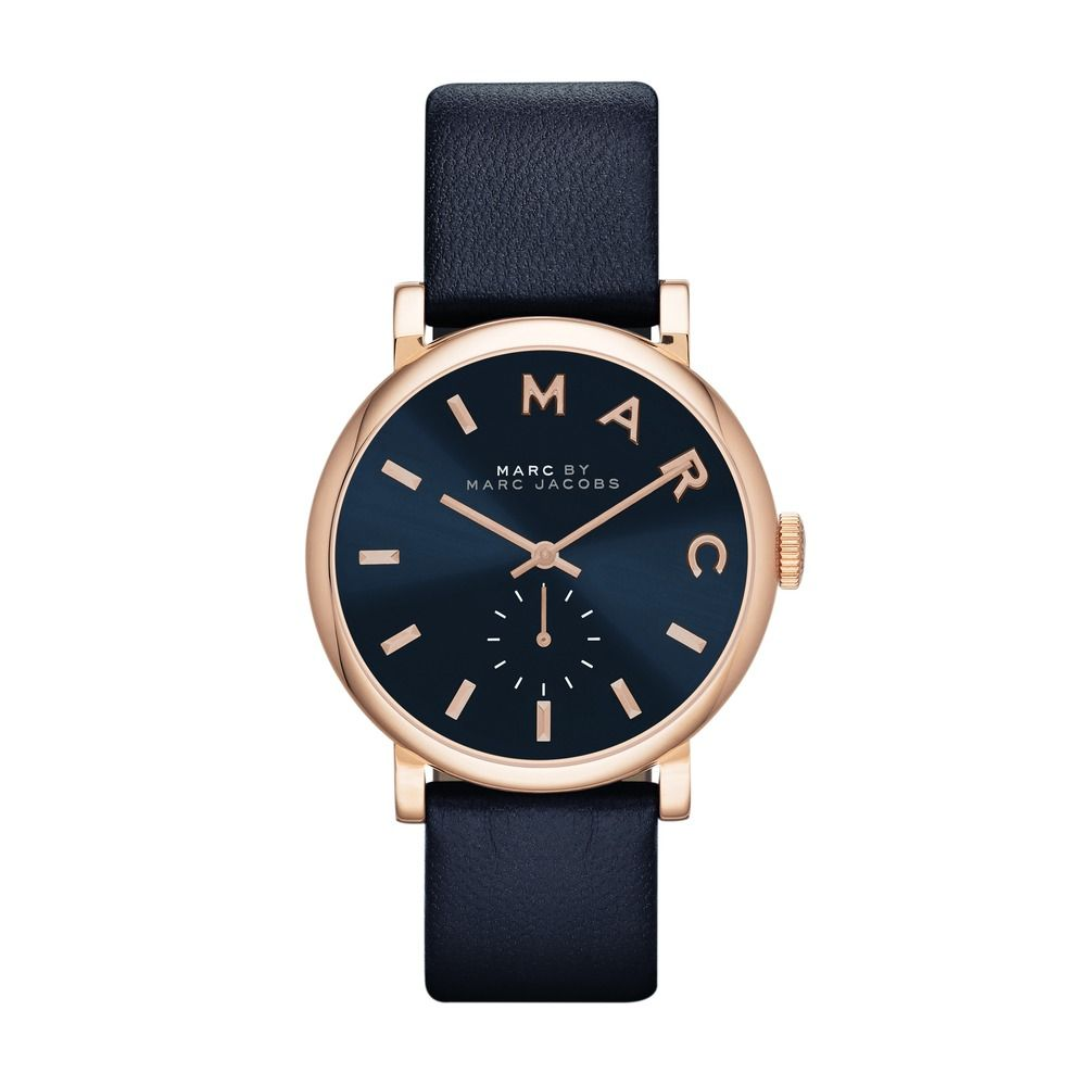 MARC JACOBS Baker Ladies Watch Dark Blue  Color: blue, rose Weight: approx. 0.31 kg Bracelet: Leather Material: Stainless Steel, Scratch-resistant mineral glass Glass Size: 3.5 cm Housing Dimensions: L x H x W: 3.5 x 0.7 x 3.5 cm  Dial: dark blue, metallic Crystal: Mineral  Movement: Quartz  Bracelet Size: about 18 x 1.7 cm  Display: analog Closure: rosegold-colored buckle with logo engraving Waterproof: Yes, up to 30 m   Item number: MBM1329