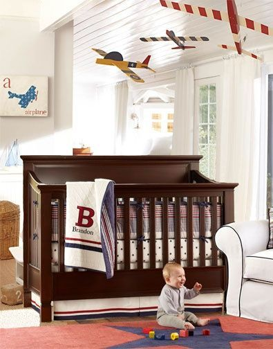 Use A Vintage Airplane Theme In Boy S Nursery