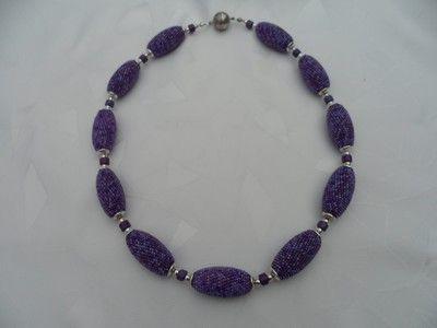 http://www.perlenhaekeln.de  Lavendelkette