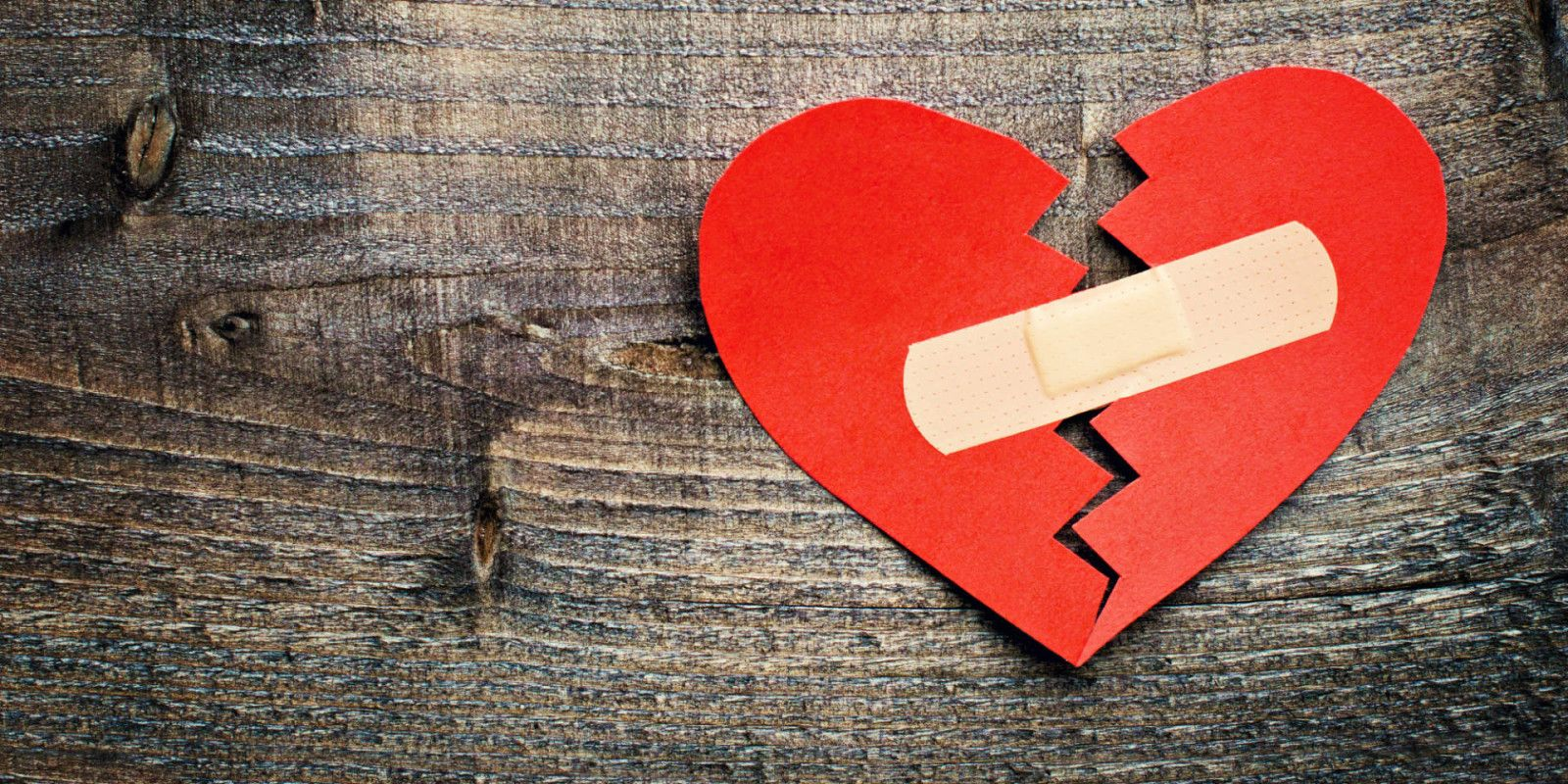 5 WAYS TO MEND A BROKEN HEART It's undoubtedly the worst occurrence of your life when it happens. Here are five tips to help mend a broken heart