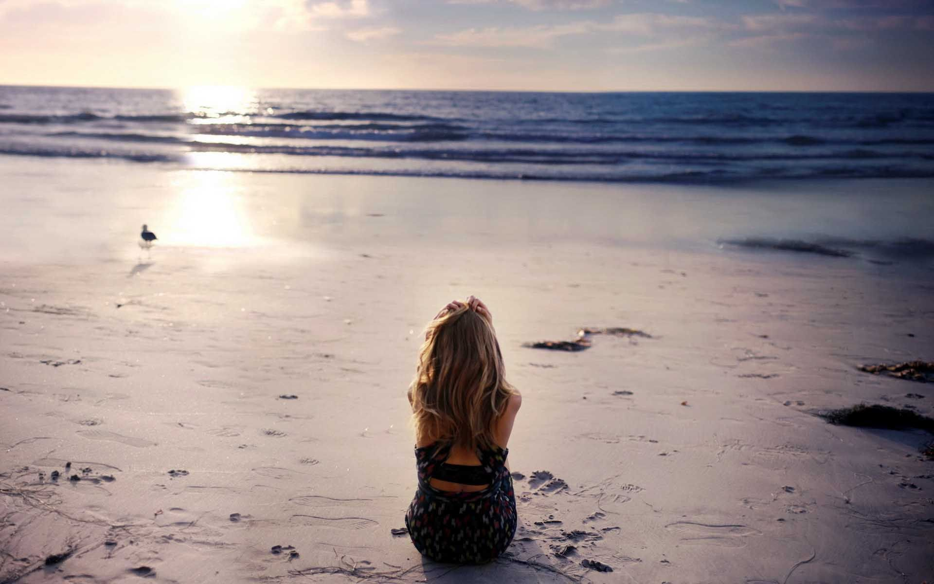Alone Hd Wallpaper Free Download Sunset Girl Beach Girl