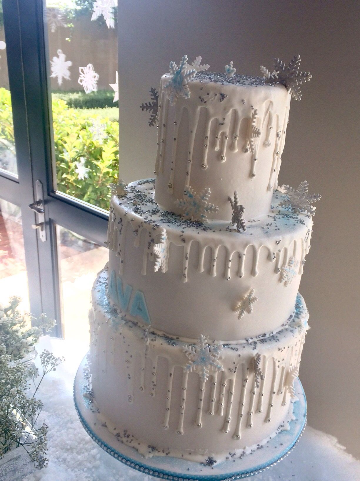 Snow themed birthday cake | Themed birthday cakes, Cake ...