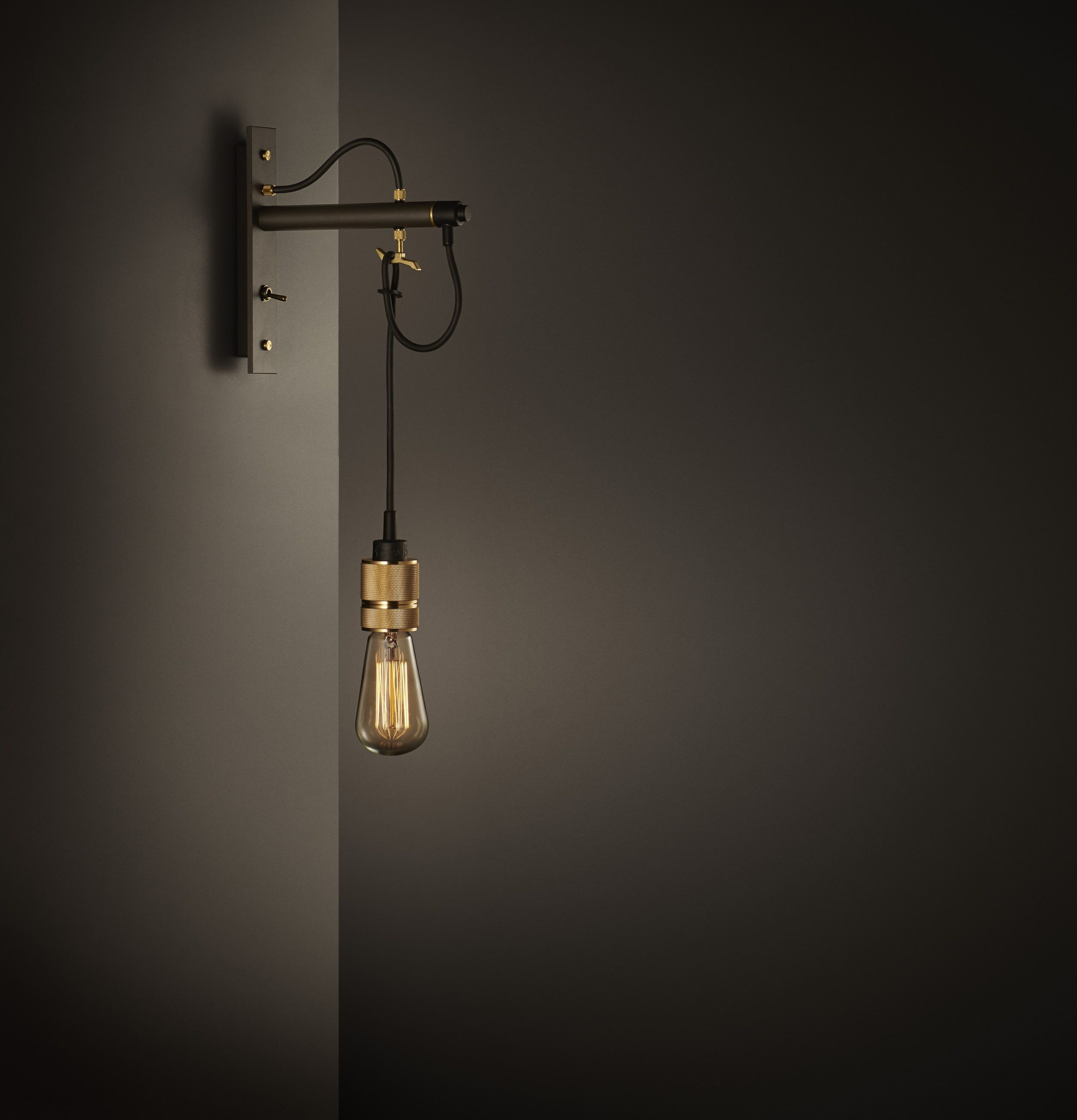 Hooked wall with LED bulb. Wall lamp with LED bulb. Væglampe med LED pære.