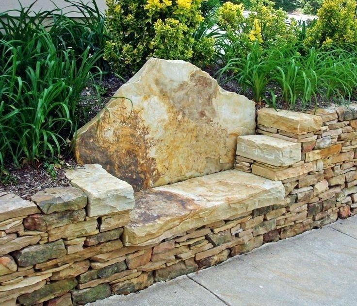 Easy DIY Outdoor Bench #ummauertergarten