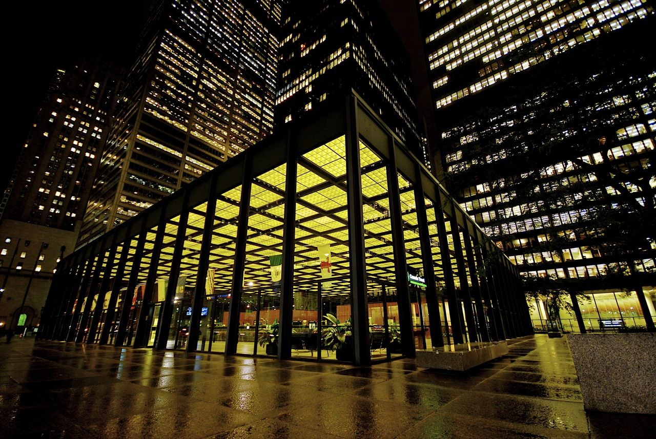 The Seagram Building New York Architect Ludwig Mies