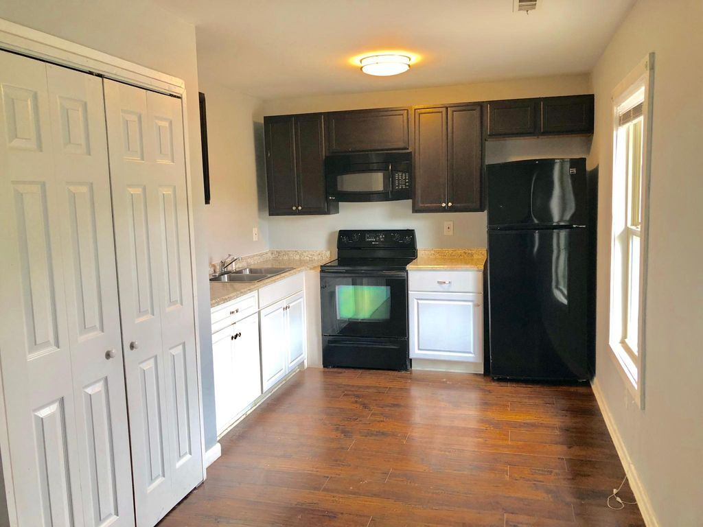 630 Middle St Apt 2 Durham Nc 27703 Zillow Zillow Home Studio Apartment