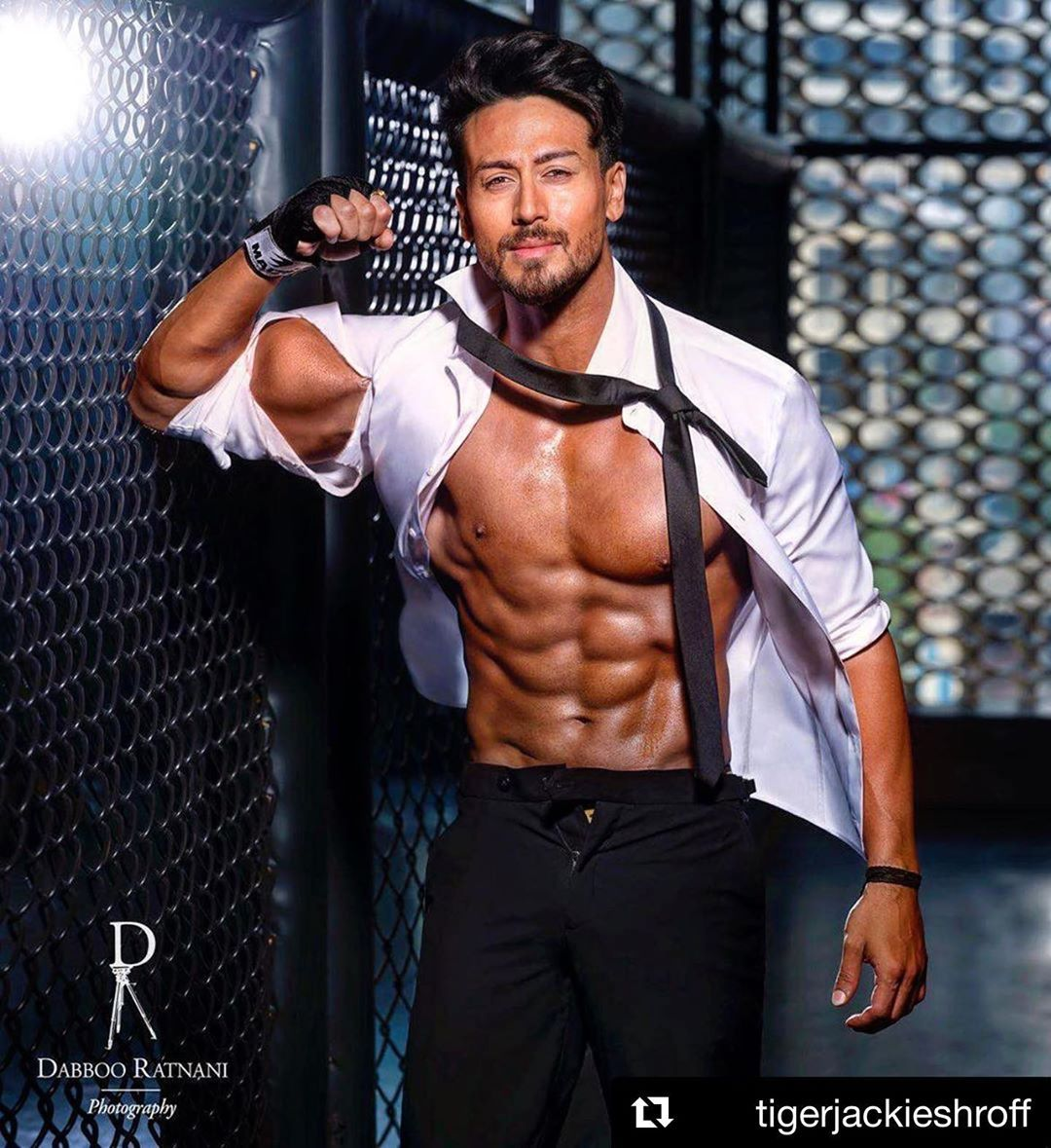 Image May Contain 1 Person Standing In 2020 Tiger Shroff Tiger Shroff Body Bollywood News