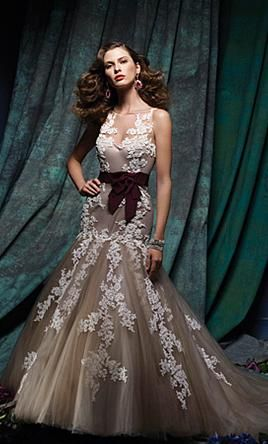 Alfred Angelo c876 4: buy this dress for a fraction of the salon price on PreOwnedWeddingDresses.com
