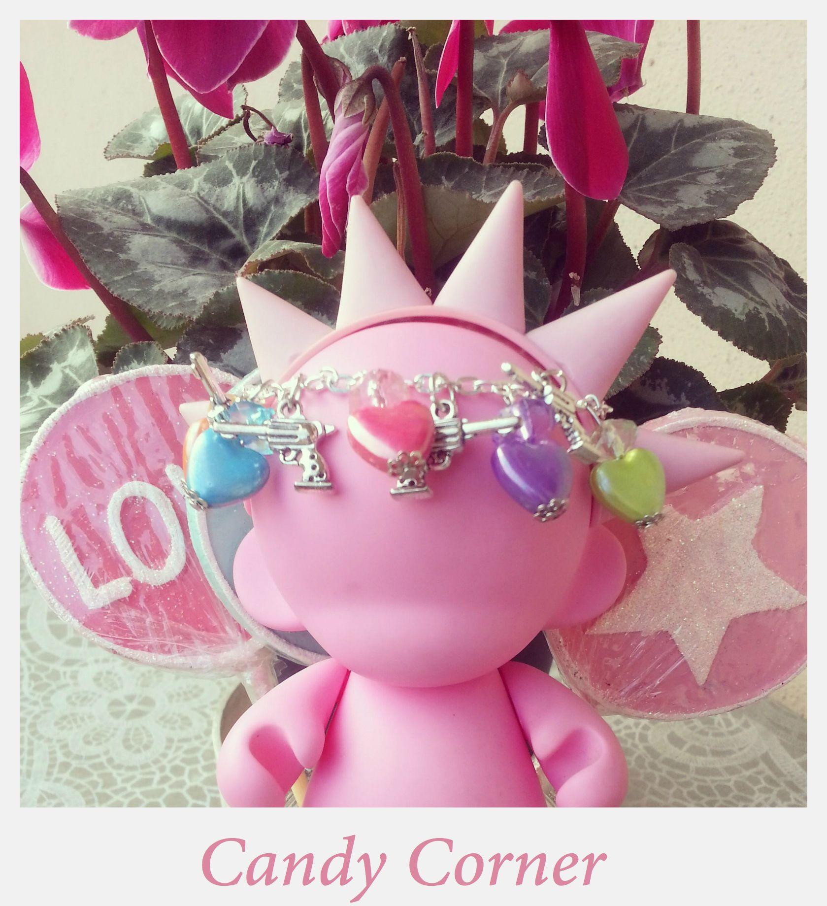 """Love can Kill Collection""""""""̿ ̿ ̿ ̿ ̿'̿'\̵͇̿̿\з=(•̪●)=ε/̵͇̿̿/'̿'̿ ̿ ̿̿ ̿ ̿"""""""" ✿ BJ 4 #bracelet with colorful #hearts & mini #guns ✿"""