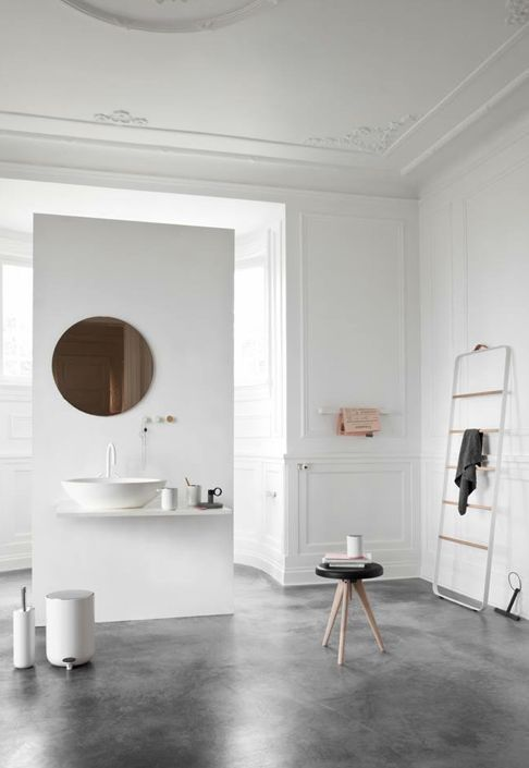 Kylpyhuoneen väliseinät