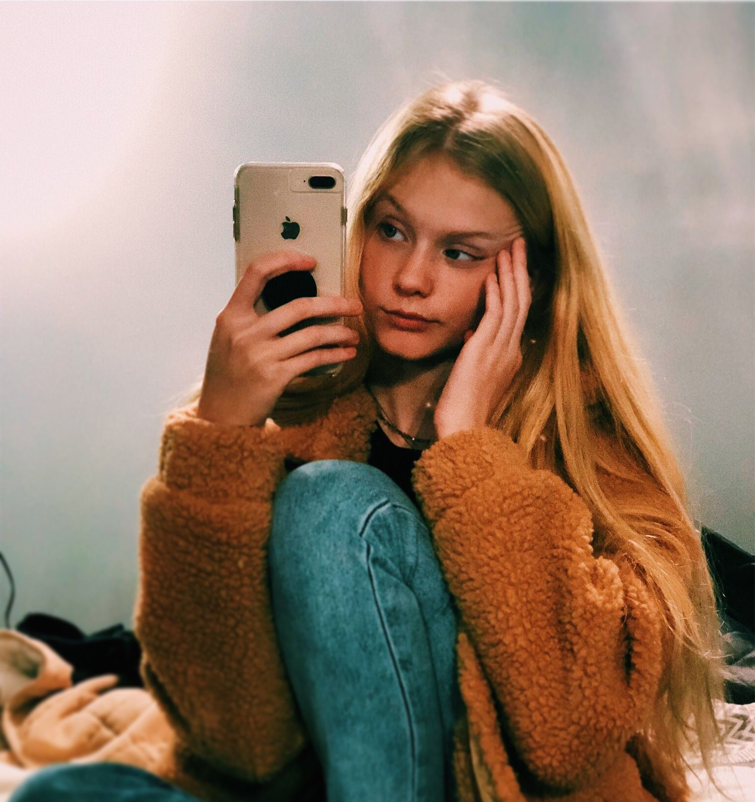 Selfie Photoshoot Model Fashion Outfit Girl Blondehair