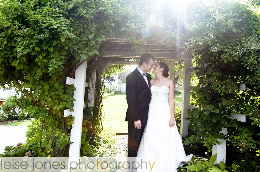 Owenego Inn Branford Ct Weddings By The Water Wedding Photographers Wedding Photos Wedding