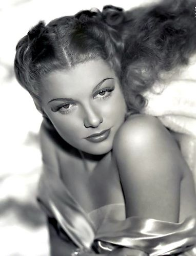 140 Legendary Classic Beauties Ideas Classic Beauty Old Hollywood Classic Hollywood