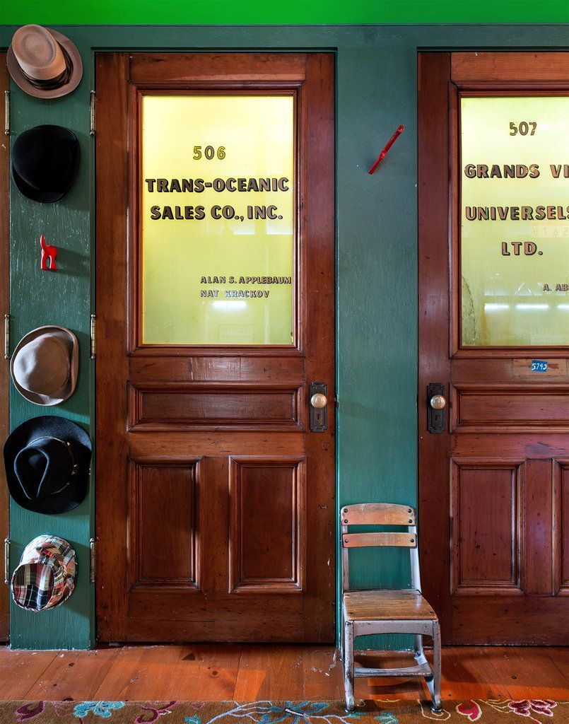 5 Vintage Design Ideas To Steal From This Nostalgic Nyc Dream Loft Vintage Design Ideas Vintage Office Office Door