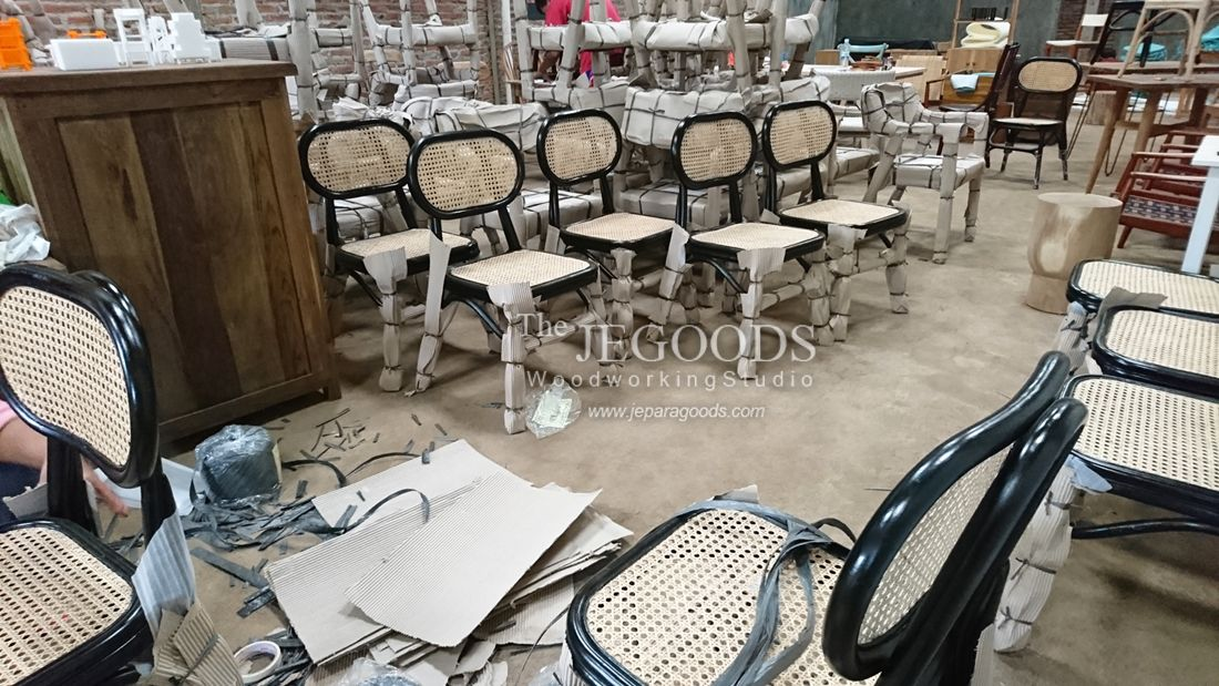 We manufacture and supply fine chair furniture for private house or commercial use such as cafe, bar, restaurant and hotel. Available at #wholesale price. Browse our #ChairFurniture collection on www.jeparagoods.com   #hotelchair #wegnerchair #danishfurniture #jeparafurniture #jeparagoods #vintagechair #danishchair #1950furniture #teakfurniture #retrofurniture #cafechair #kursicafe #teakfurniture #kursihotel  #rattanchair #canechair #weddingchair #indonesiafurniture