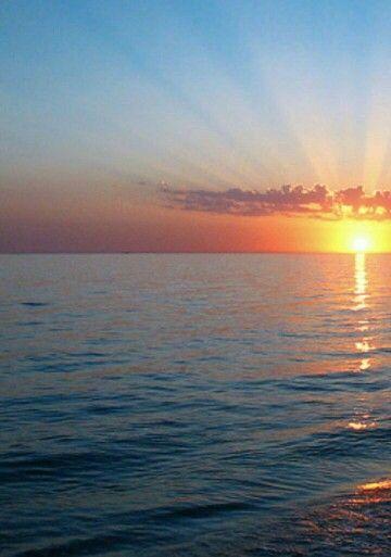 Pin By Sos Q8 On بس يا بحر Beach Celestial Sunset