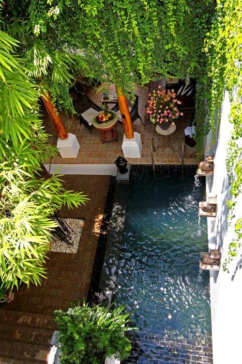 love the pool feature Landschaftsarchitektur Pinterest Small - reihenhausgarten und pool