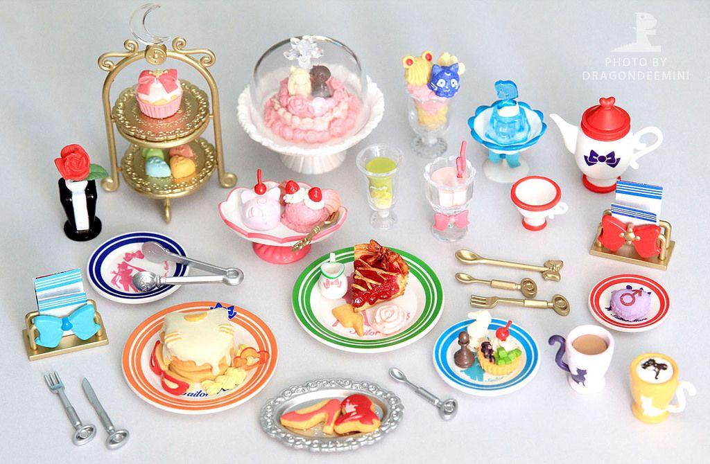 Casa de muñecas en miniatura de pastel de bodas AA8