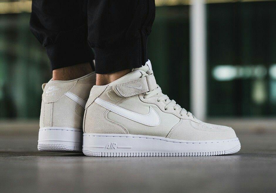 hot sale online f2f81 418da Nike Air Force 1 Mid Light Bone