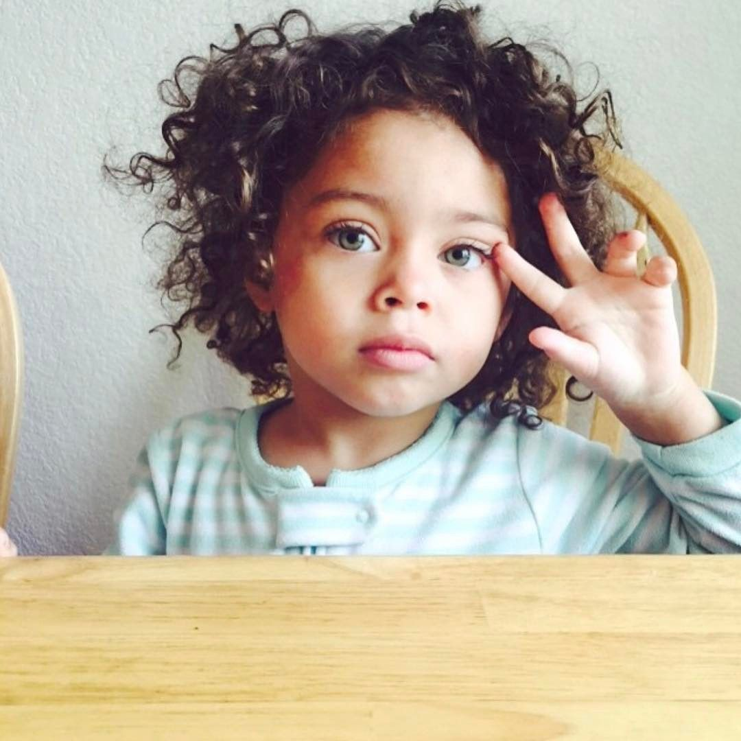 Fashion week Baby Mixed girl with green eyes pictures for lady
