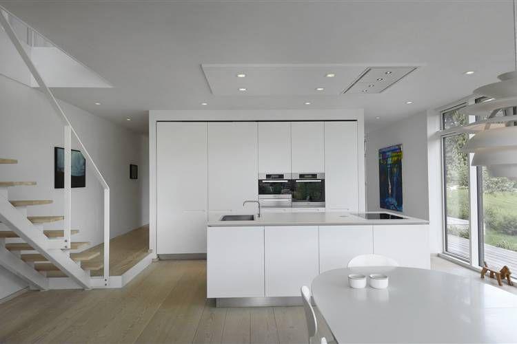 Boffi cucine mobili contenitori chiusi su tre lati da - Cucine total white ...