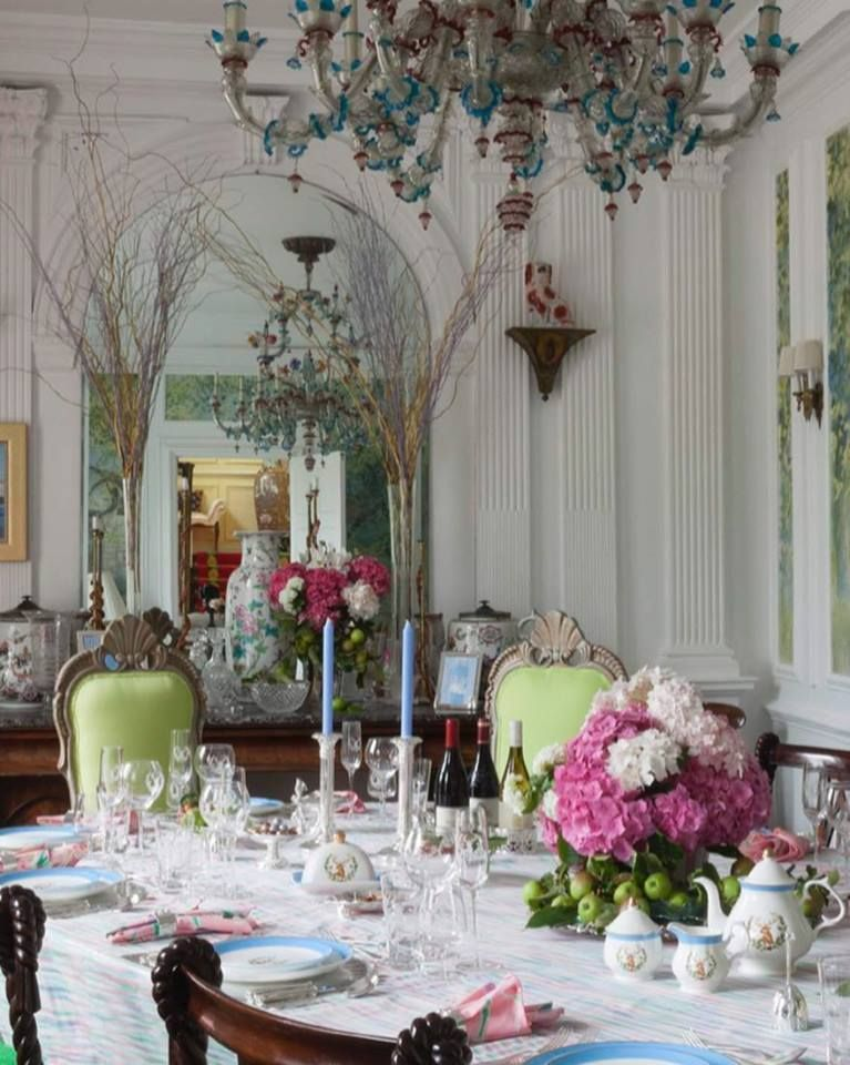 Carleton Varney S Dining Room Beautiful In Ireland His Tradition For Many Years Elegant Homes Glass Chandelier