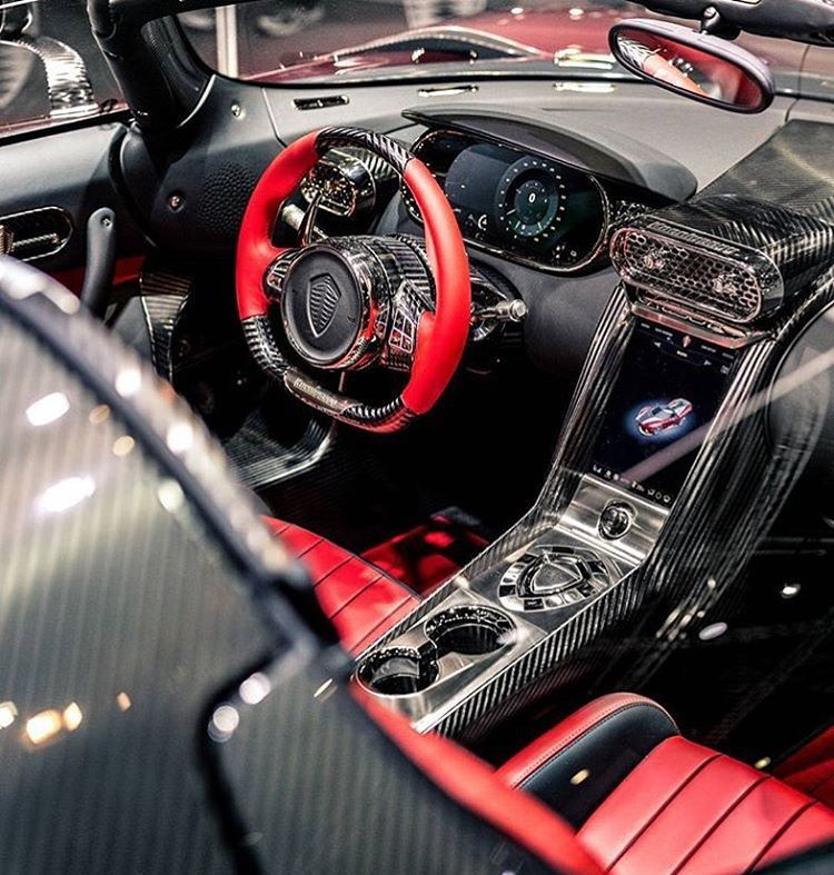 Bugatti Veyron Spoiler: Carbon Fiber Everywhere In He Koenigsegg Regera Tag Your